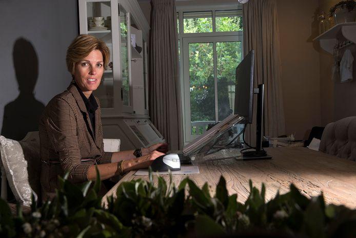 Jeanette Harmsen strijdt om de titel Secretaresse van het Jaar.