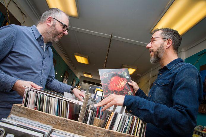 Ed en Peter Paul van der Hout organiseren naar traditie weer Record Store Day bij Velvet.
