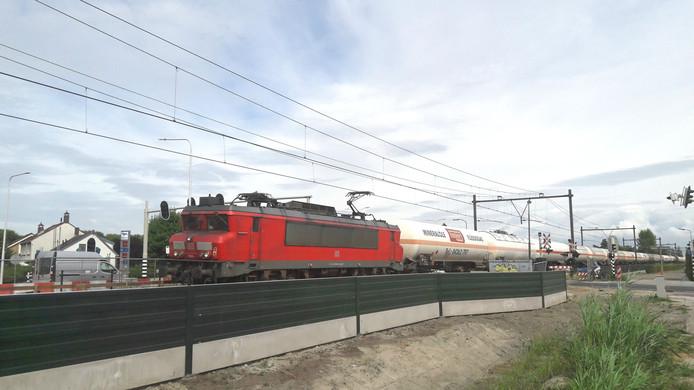 Een lpg-trein rijdt door Goes.