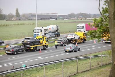 Vrouw gewond bij ongeluk met 4 auto's op A58 bij Bavel