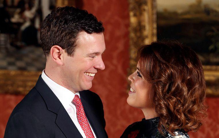 De Britse prinses Eugenie en haar verloofde Jack Brooksbank kondigden hun verloving aan in Buckingham Palace op 22 januari 2018.