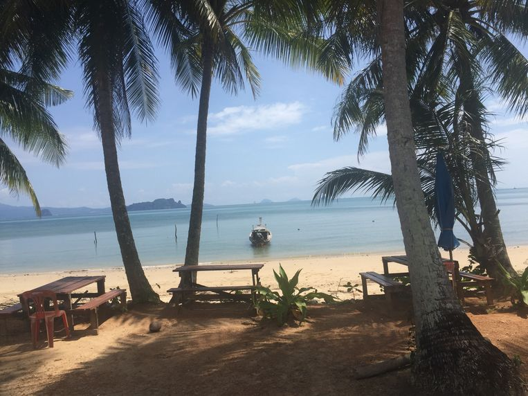 Een rustig strand op Koh Ya Noi