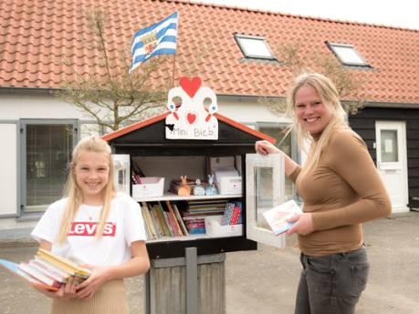 Nieuwe minibieb voor Scharendijke heeft meer dan alleen 'boeken voor de pak'