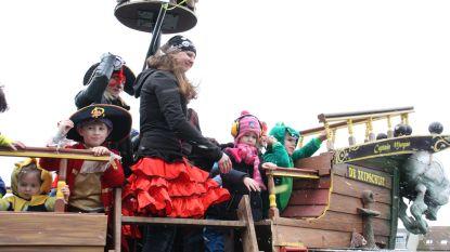 Er komt dan toch nog een carnavalsstoet...