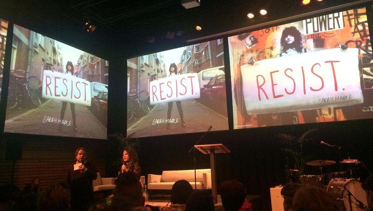 Willem Bosch en Sarah Sluimer tijdens Resist Festival. Beeld Het Parool