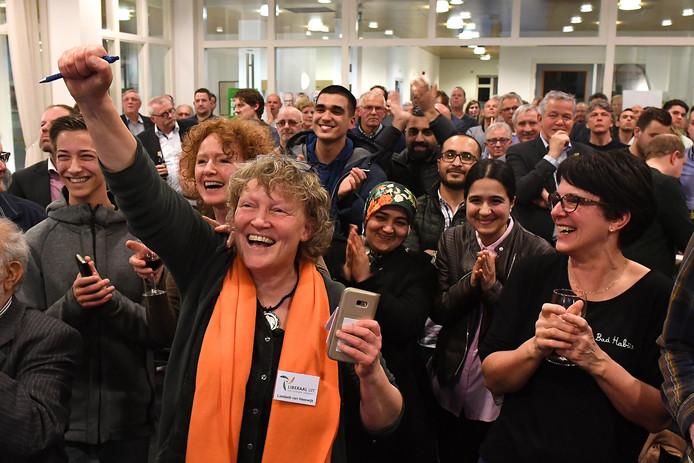 Juichen zoals op de verkiezingsavond van 21 maart in Cuijk, was er maandagavond niet bij voor fractieleider Liesbeth van Heeswijk van Liberaal Land van Cuijk. Een motie van haar partij voor meer winkels in de grote wijken van Cuijk haalde het niet.
