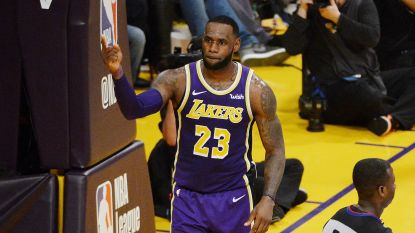 VIDEO. LeBron James gaat Michael Jordan voorbij op eeuwige topschutterslijst NBA