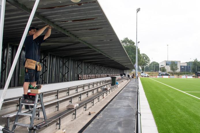 Er is de laatste weken met man en macht gewerkt om het Diekman-complex er goed te laten uitzien voor de voorronde Champions League-vrouwen. Allemaal voor niks; er wordt niet gespeeld.