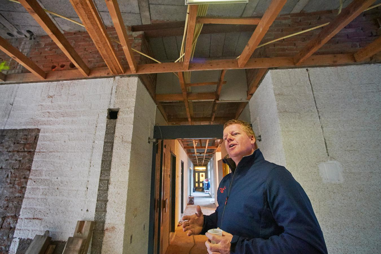 Zorgcentrum De Maashorst in Megen wordt omgebouwd tot woningcomplex. Aan het woord projectleider Johan van Erp van BrabantWonen.