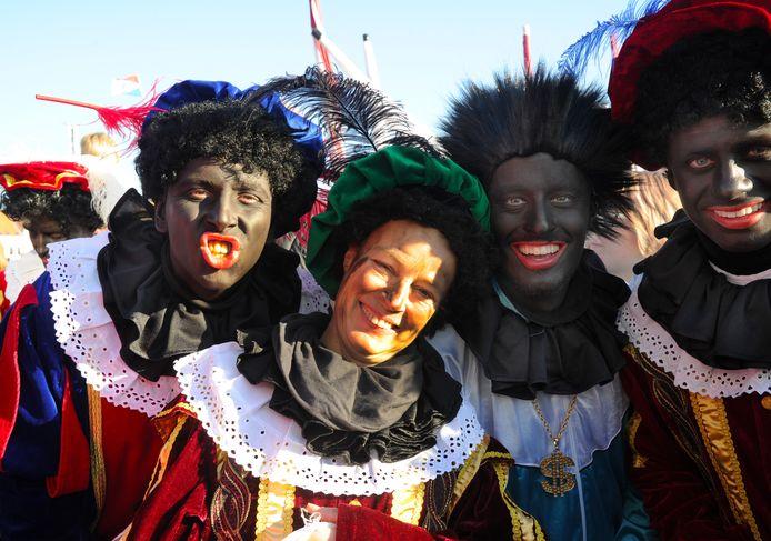 Bij de intocht van Sinterklaas in Middelburg liepen op uitnodiging van de gemeente vorig jaar al roetveegpieten mee.