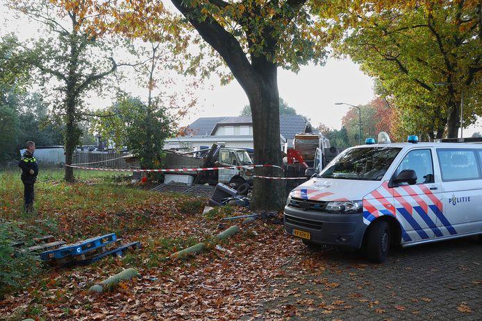 Politieonderzoek op het woonwagenkamp in Oss.