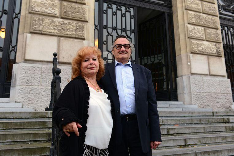 Lieve Neve-Delande, de moeder van Chris Janssens was aanwezig in de rechtbank, samen met André Delande, de stiefvader.