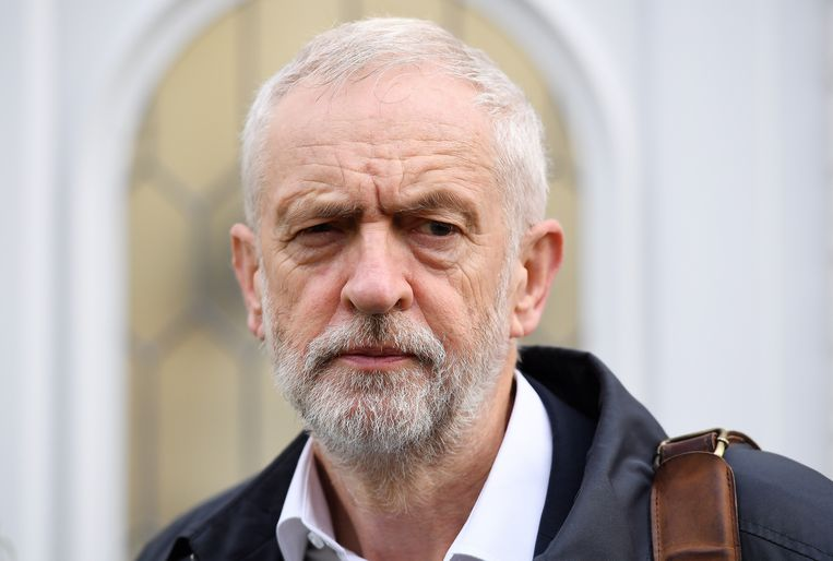 Labour-leider Jeremy Corbyn steunt nu toch nieuwe verkiezingen.