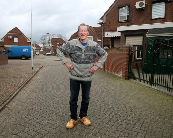 George Büttner in zijn geliefde Doetinchemse wijk Kleintjeskamp.