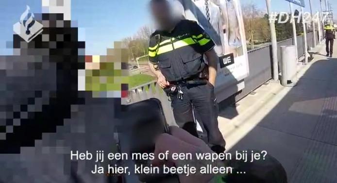 Politie deelt beelden wilde achtervolging overvaller in Zoetermeer.