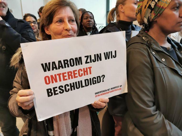 actie ouders bij belastingdienst rotterdam Beeld SP