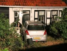 Dronken automobilist rijdt tegen huis in IJzendijke