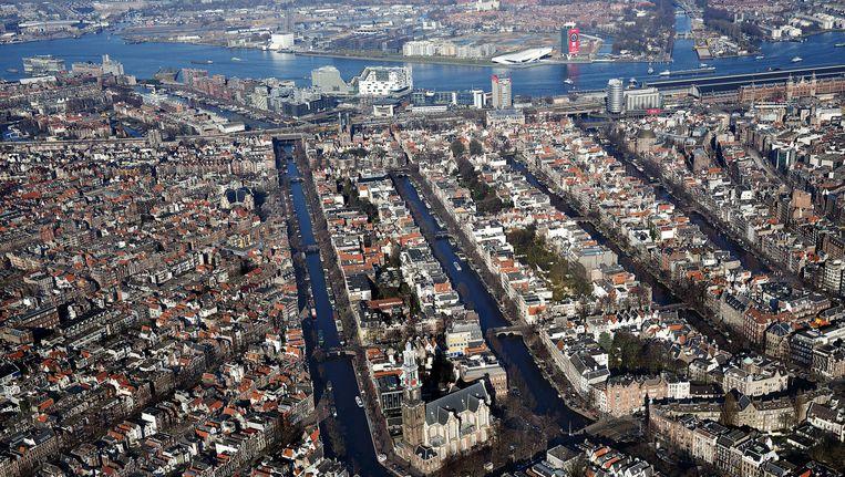 Luchtfoto van de Amsterdamse binnenstad. Beeld anp