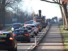 Kop-staartbotsing zet verkeer vast bij A50 ten zuiden van Apeldoorn
