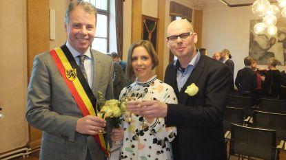 Jan Vermeulen (CD&V) voltrekt eerste huwelijk in gemeentehuis Nevele