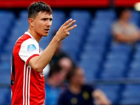 PSV is naast Steven Berghuis ook volop bezig met centrale verdediger