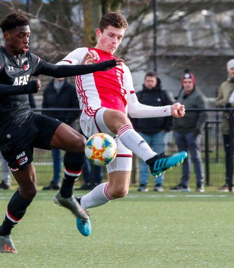 Benauwde zege Aertssen met Ajax O18 tegen Heerenveen