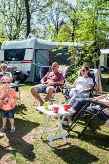 Genieten op bomvolle campings tijdens paasdagen