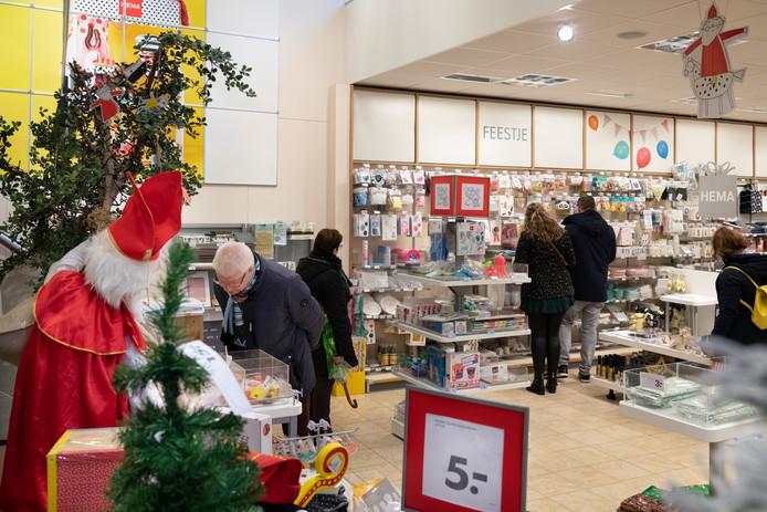 Sint Koopzondag Is Rustdag In Winkelcentrum Wijchen Wijchen