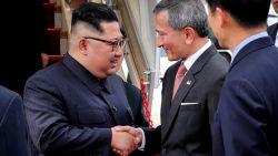 VIDEO. Hier ontmoeten Trump en Kim Jong-un elkaar