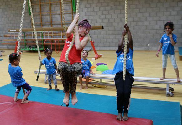 Erika Van Tielen kwam een dagje mee sporten met de kinderen.