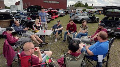 Family Tunerz verzamelt op parking van Den Egger