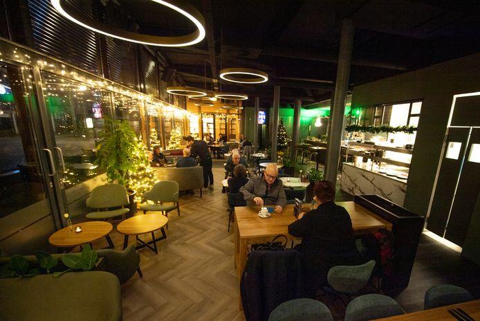 Theatercafé The Green Room, toen de horeca nog geopend was. Het café begint een afhaal- en bezorgservice.
