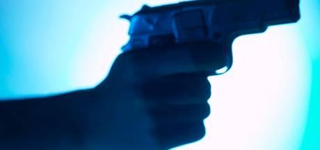Tilburgers hebben geluk: geen cel voor doodsbedreiging agent, maar een taakstraf. 'Berechting duurde te lang'
