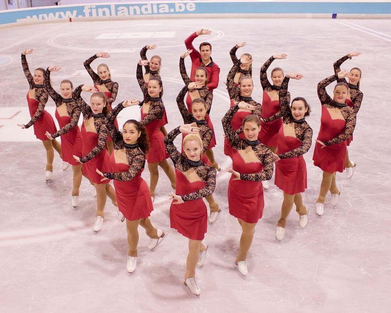 Een van de teams van ijsschaatsclub Karelia uit Gullegem op de schaatsbaan van Finlandia.
