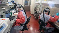 Wetenschappers cruciale stap dichter bij bestrijding coronavirus, frustratie bij Belgen in 'coronahotel' groeit na vertrek andere gasten