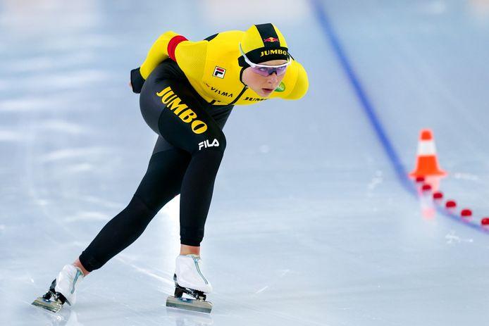 Joy Beune in actie op de drie kilometer tijdens dag twee van het NK afstanden. De Bornse eindigde als zesde.