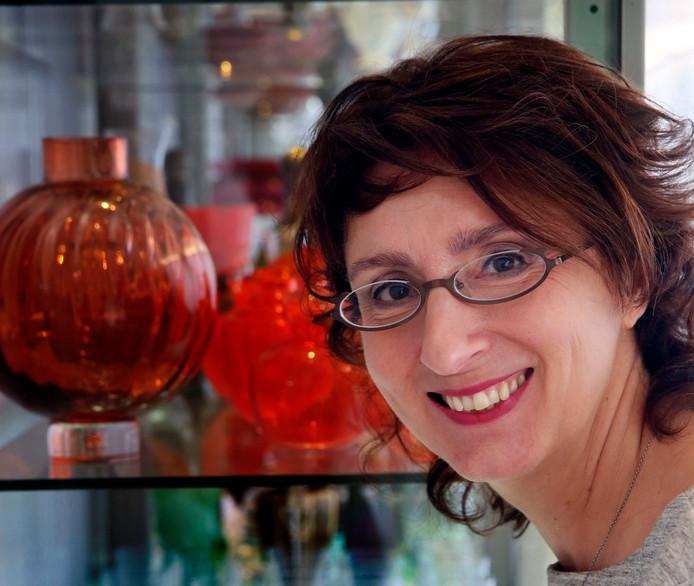 Astrid Hertog, directeur van het Nationaal Glasmuseum in Leerdam.