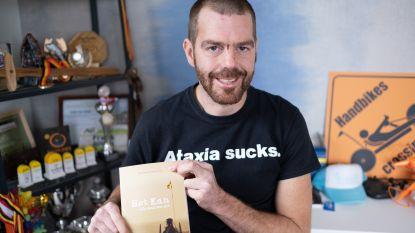 """Sint-Amandsenaar met spierziekte schrijft boek met boodschap: """"Doe wat onmogelijk lijkt, durf dromen"""""""