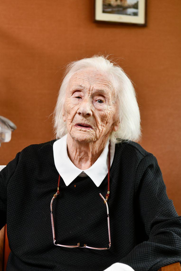 Mariette Bouverne is de oudste van Gent. Deze foto werd gemaakt in juli. Op kerstdag wordt ze 111 jaar.