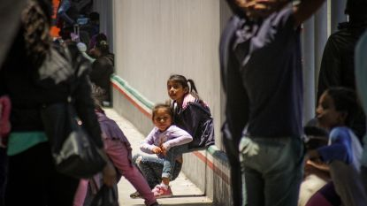 """Ouders van migrantenkinderen schrijven pakkende brief: """"Amerika, help ons. Wij willen onze kinderen terug"""""""