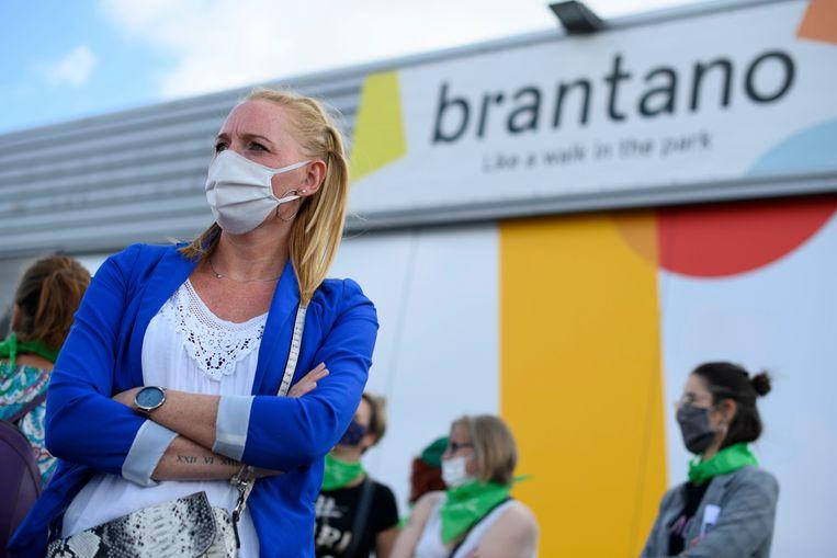 Beeld van een actie van werknemers van Brantano in Namen gisteren.
