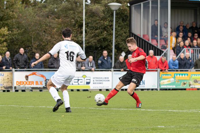 Axel Koster maakte de 1-0 namens Yerseke tegen koploper Nieuwenhoorn.