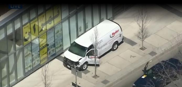 De witte bestelwagen.