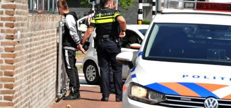 Cellen dicht, agenten vrezen gezeul met verdachten