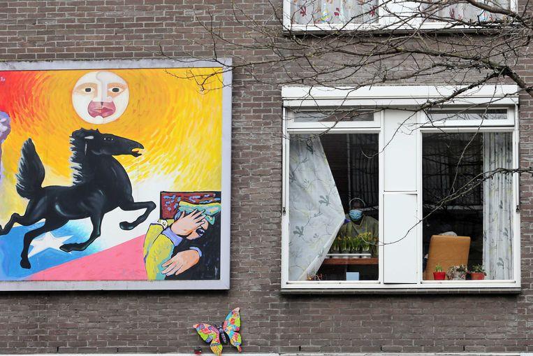 Het Rotterdamse verpleeghuis De Leeuwenhoek. Bijna de helft van de bewoners van een afdeling voor dementerende ouderen is de afgelopen drie weken overleden, vermoedelijk allemaal aan corona. Beeld ANP