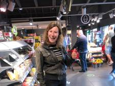 Melanie (27) wint één minuut gratis winkelen, maar houdt de boodschappen niet zelf...