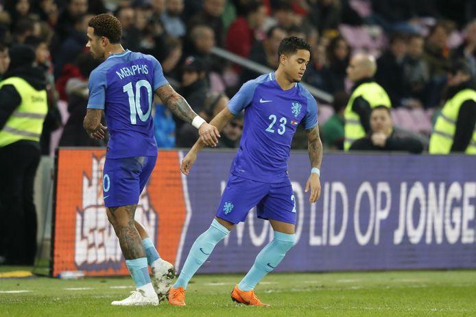Justin Kluivert vervangt Memphis Depay voor zijn debuut bij Oranje.