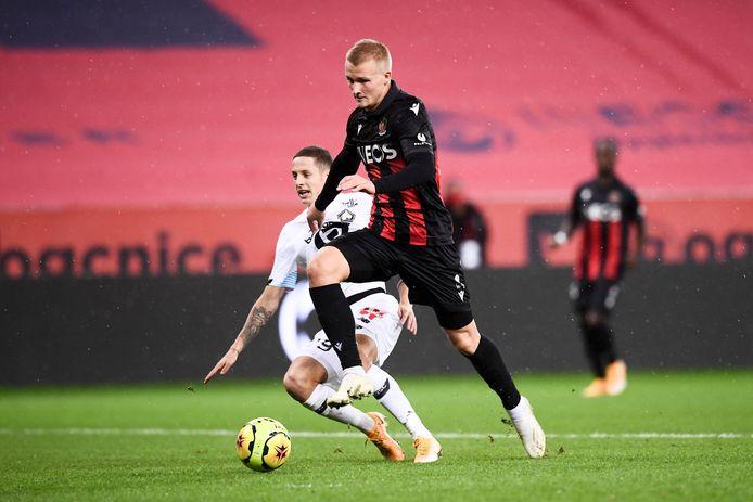 Kasper Dolberg opende namens Nice de score tegen Lille.