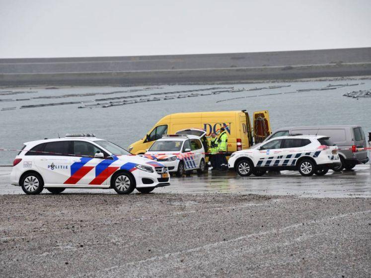Duikers vinden auto in water bij Neeltje Jans; mogelijk met inzittenden