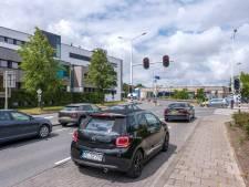 Bussen in Middelburg verliezen tijd door verbeteringen verkeersveiligheid, dus wordt route ingekort